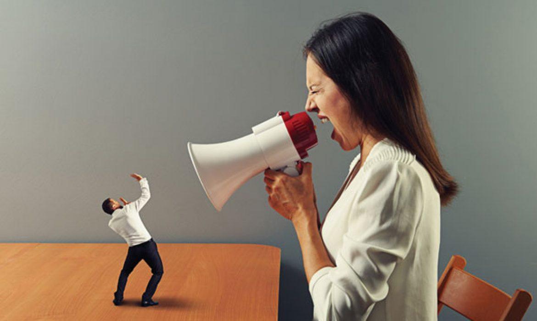 Bạn làm gì để xoa dịu khách hàng khi họ nổi giận?